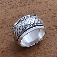 Sterling silver spinner ring, 'Spinning Weave' - Handmade Sterling Silver Spinner Ring from Bali