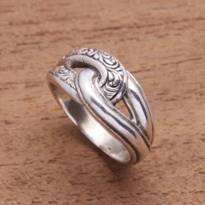 Sterling silver band ring, 'Elegant Link' - Patterned Sterling Silver Band Ring from Bali