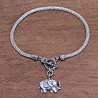 Sterling silver chain bracelet, 'Handsome Elephant' - Elephant-Themed Sterling Silver Chain Bracelet from Bali