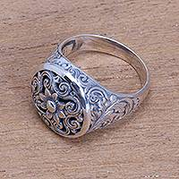 Sterling silver signet ring, 'Traditional Garden' - Circular Floral Sterling Silver Signet Ring from Bali