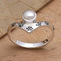 Cultured pearl cocktail ring, 'Pawprints on My Heart' - Sterling Silver Freshwater Pearl Pawprint Ring