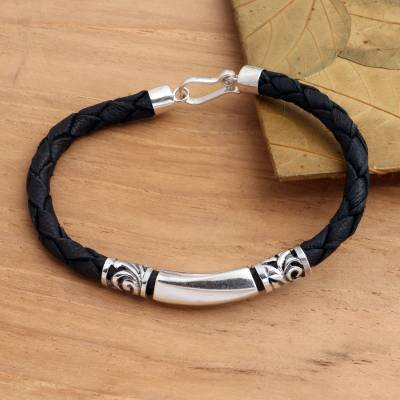 Sterling silver and leather pendant bracelet, 'Sanur Shore' - Artisan Crafted Leather and Sterling Silver Bracelet