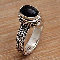 Onyx solitaire ring, 'Snail Mail' - Handcrafted Sterling Silver and Onyx Ring