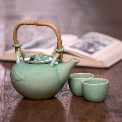 Green ceramic tea set 'Peaceful Lily' (set for 2) - Green Ceramic Tea Service (Set for 2)