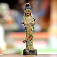 Wood statuette, 'Beautiful Kwan Im' - Wood statuette
