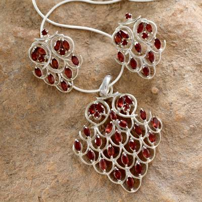 Garnet jewelry set, 'Love Sonnet' - Garnet jewelry set