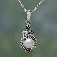 Pearl pendant necklace, 'Cloud of Desire' - Artisan Crafted Sterling Silver Necklace with Pearl Pendant