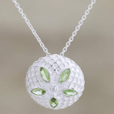 Peridot pendant necklace, 'Chrysanthemum Star' - Peridot pendant necklace