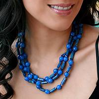 Lapis and chalcedony strand necklace,