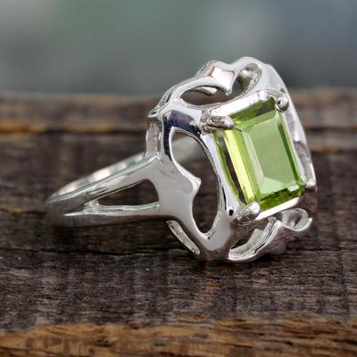 Sterling Silver Single Stone Peridot Ring