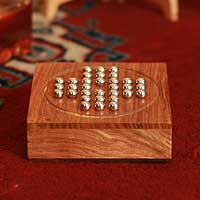 Wood solitaire,