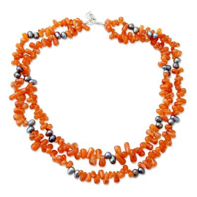 Pearl and carnelian strand necklace