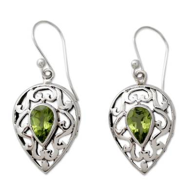 India Jewelry Earrings in Sterling Silver and Peridot