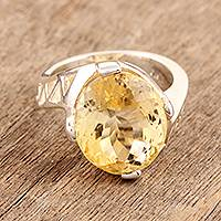 Citrine solitaire ring, 'Royal Spark' - Citrine solitaire ring