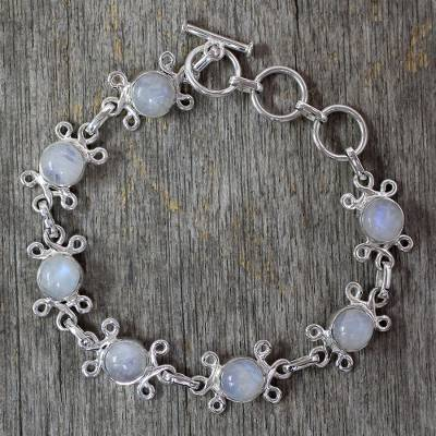 Moonstone flower bracelet, 'Daisy Chain' - Handcrafted Indian Floral Sterling Silver Moonstone Bracelet