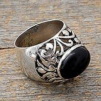 Men's onyx ring, 'Splendid' - Men's onyx ring