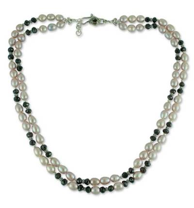 Pearl and garnet beaded necklace