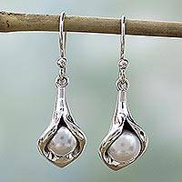 Pearl flower earrings, 'Calla Lily' - Sterling Silver Pearl Earrings Jewelry from India