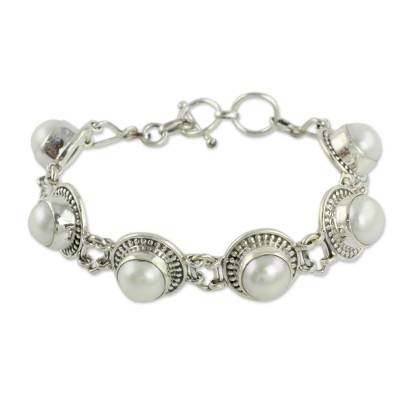 Indian Jewelry Bracelet in Sterling Silver and Pearls