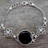 Featured review for Onyx and pearl bracelet, India Night