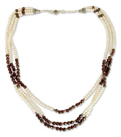 Pearl and garnet strand necklace