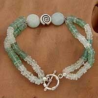 Aquamarine and agate pendant bracelet,