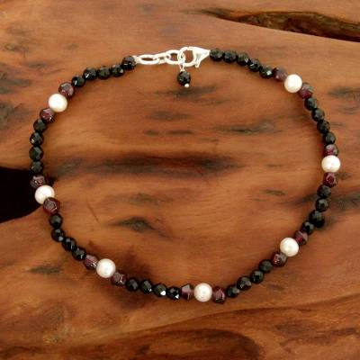 Onyx and garnet beaded anklet, 'Friendship' - Onyx and garnet beaded anklet