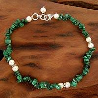 Pearl and malachite beaded anklet, 'Mystic Valley'