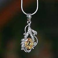 Citrine pendant necklace, 'Jaipur Sun' - Citrine Necklace on Sterling India Jewelery Collection