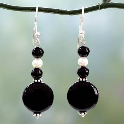 Onyx and pearl dangle earrings, 'Midnight Kisses' - Onyx and pearl dangle earrings