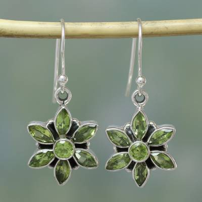Peridot flower earrings, Daisy Beauty