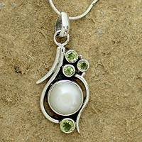 Pearl and peridot pendant necklace, 'Sweet Dreams' - Cultured Pearl Peridot and Sterling Silver Necklace