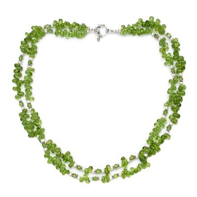 Peridot and pearl strand necklace