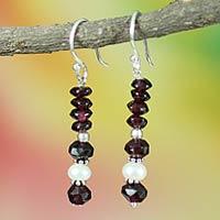 Pearl and garnet dangle earrings,