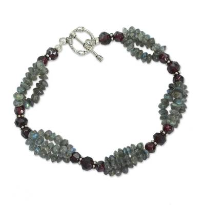 Labradorite and garnet beaded bracelet