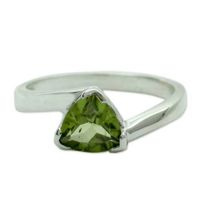 Solitaire Peridot Ring Crafted in Sterling Silver