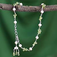 Cultured pearl and peridot anklet, 'Kanpur Summer' - Pearl and Peridot Anklet from India Handmade Jewelry