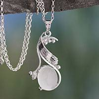 Moonstone pendant necklace,