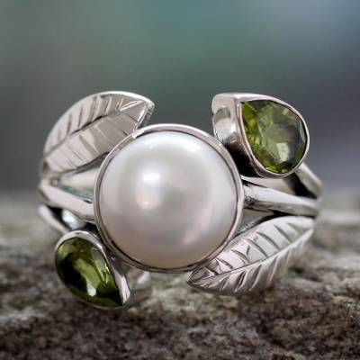 om ring silver night lava - Pearl and Peridot Cocktail Ring from India Jewelry