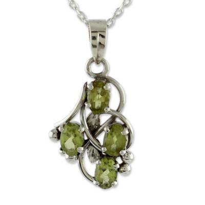 Peridot and Sterling Silver Necklace India Jewelry
