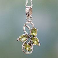 Peridot pendant necklace, 'Forbidden Fruit' - 1.5 Carat Peridot Pendant on Sterling Silver Necklace