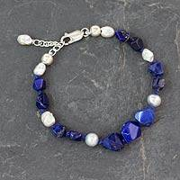 Cultured pearls and lapis lazuli beaded bracelet,