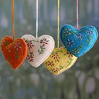 Wool ornaments, 'Holiday Hearts' (set of 4) - Hand Made Christmas Ornaments in Different colours (Set of 4