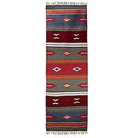 Wool runner, 'Coral Beauty' (2.5x8) - India Dhurrie Handwoven Wool Runner Rug (2.5 x 8)