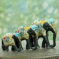 Lacquered wood sculptures, 'Black Elephant Trio' (set of 3) - 3 Artisan Crafted Lacquered Wood Elephant Sculptures