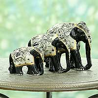 Lacquered wood sculptures, 'Grey Elephant Trio' (set of 3) - Set of 3 Hand-Painted Carved Wood Elephant Sculptures