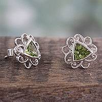 Peridot Button Earrings Delhi In Green (india)