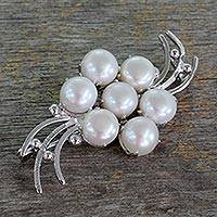 Cultured pearl brooch pin, 'Love in Bloom' (India)