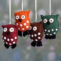 Wool felt ornaments, 'Holiday Hoots' (set of 4) - Multicolor Owl Ornaments Handmade of Wool Felt (Set of 4)