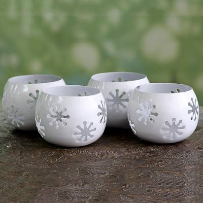 Iron tealight holders, 'Tawang Snowflakes' (set of 4) - Set of 4 White Iron Snowflake Tealight Candleholders